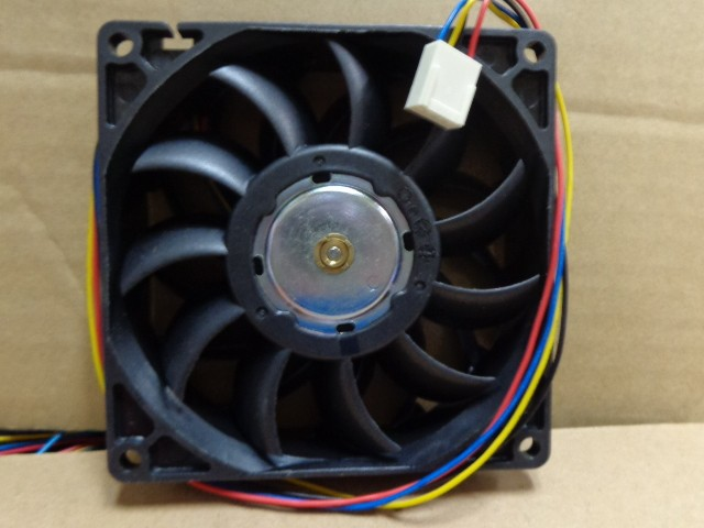 AVC DB09225B48U -P032 9CM 48V 0.26A four-wire cooling fan