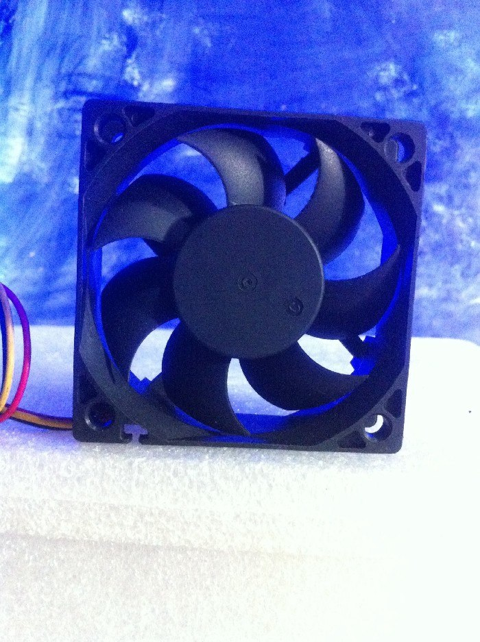 SUPERRED CHD6012ES-AH 6CM 12V0.30A 4-pin PWM silent cooling fan