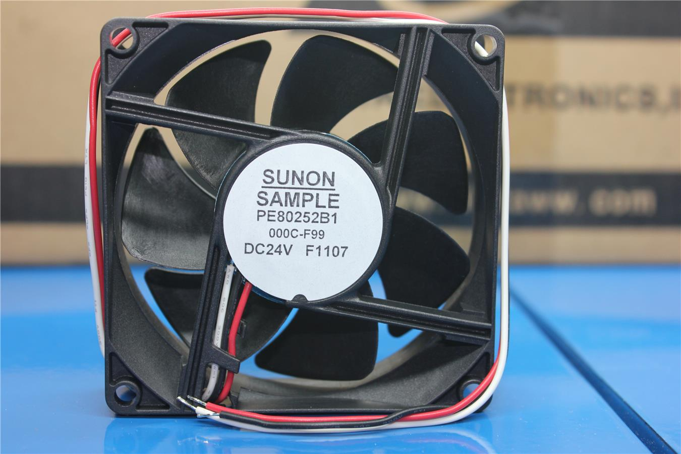 Sunon PE80252B1-000C-F99 8025 24V 4.8W inverter fan